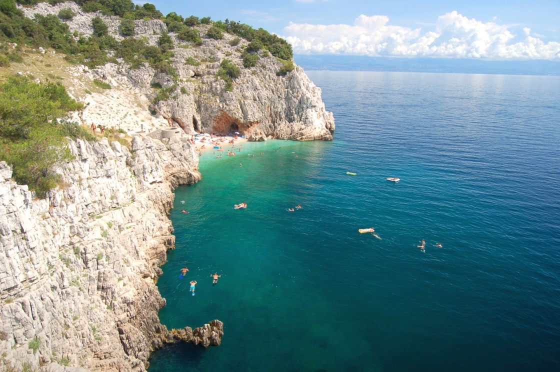 'picturesque rocky croatian beach on istria peninsula' - Istria